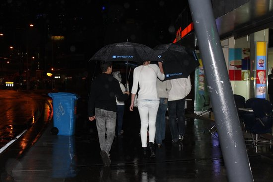 Wyndham Surfers Paradise: On our way to Surfers for dinner at Moradis Scandinavian Pizza House. With our Wyndham umbrellas