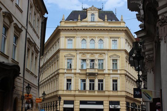 Ventana Hotel Prague: Vista externa