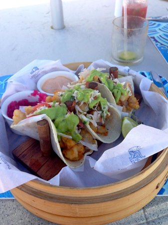 The Ritz-Carlton, Cancun : FIsh tacos for lunch by the beach.