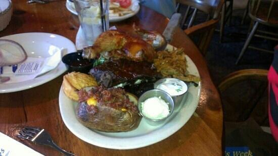 Bailey's Rib & Steakhouse: pit sampler