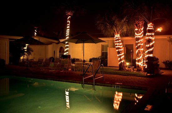 Sea Spray Resort on Siesta Key: Night shot of the pool