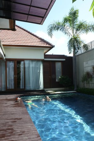 Bali Swiss Villa: pool area