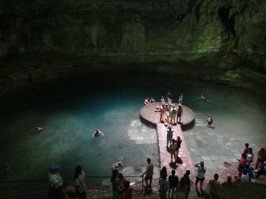 Suytun Cenote: Plataforma en medio del cenote