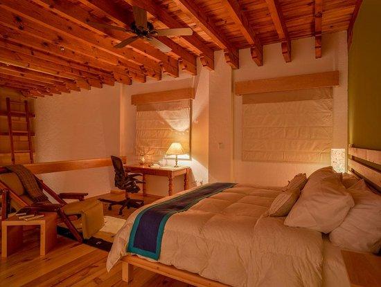 Santa Fe La Casa: El tapanco te da una sensación de amplitud desde tu espacio privado.