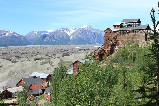 Kennicott Glacier Lodge: Mill Building Kennecott Mine from above. Wrangell Mts in background