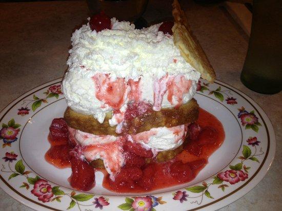 Duffer's: Strawberry shortcake