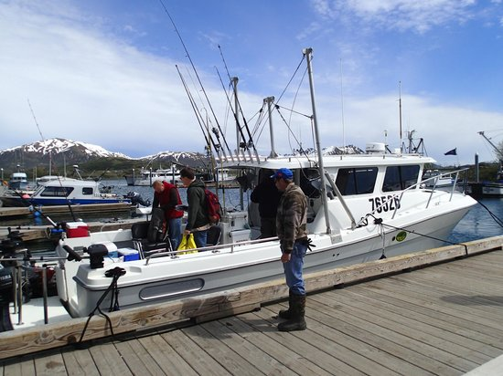 "Old Harbor, AK: 34' ocean roamer sport ""fishy fishy"""
