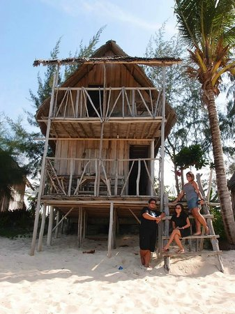 """Shady Shack: Our 2 storey """"bungalow"""""""