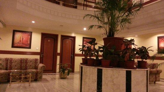 Hotel Pai Viceroy, Jayanagar: cnetral lobby