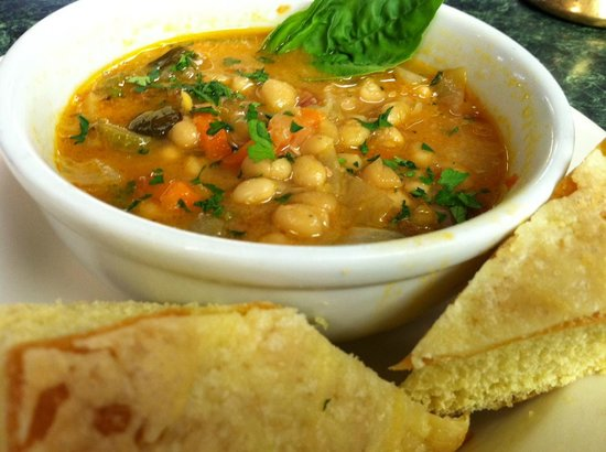 DeFalco's Italian Deli and Grocery : Homemade Minestrone soup