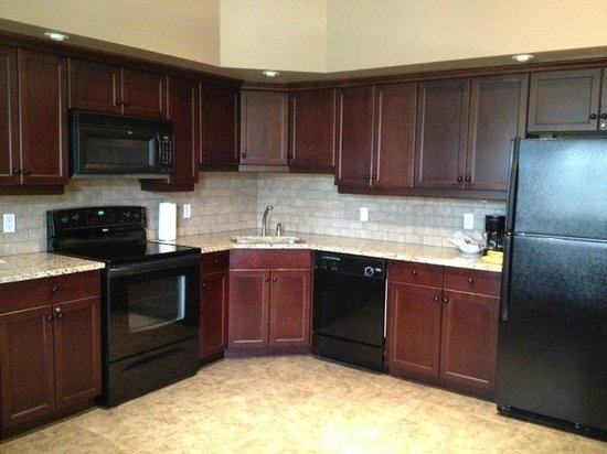 Bighorn Meadows Resort: Well appointed kitchen