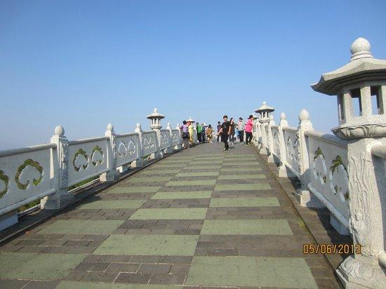 Cheonjeyeon Falls: On the Seonim Bridge