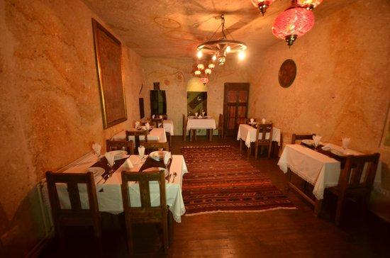 Cappadocia Abras Cave Hotel: breakfast room