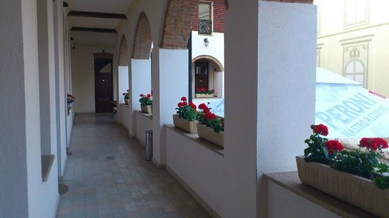 La Maison de Caroline: the balcony