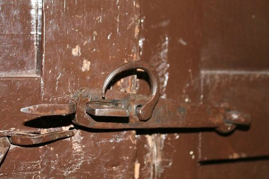Hostal Quipu Cusco : historic door lock