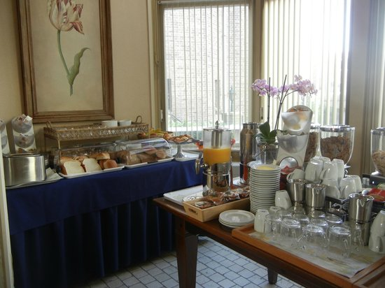 Ambassade Arena Art'otel: Breakfast