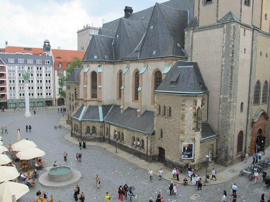 موتيل وان ليبزيج - نيكولايكيركي: View of church from room