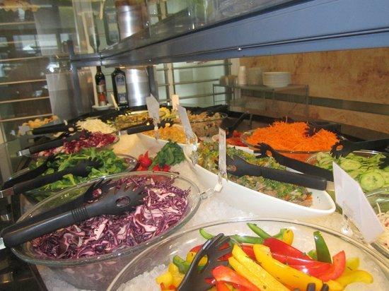 Culinarium Grueze: frisch & gluschtig unser Salatbuffet