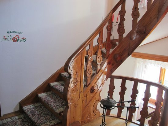 Pension Enzian: stairs