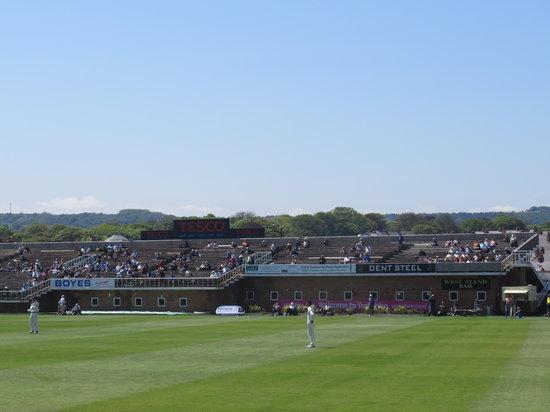 Scarborough Cricket Club: Older stand