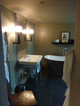 The Ashton: Our en suite bathroom