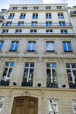Suites & Hotel Helzear Champs-Elysees: l'immeuble