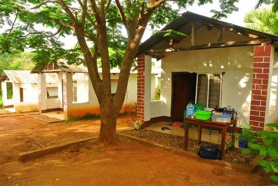 Sitalike Village, Tanzania: One of the basic chalets