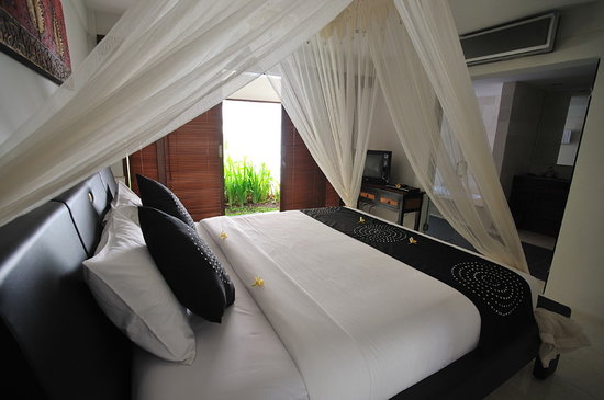 Villa Drupadi: Cozy Bedroom