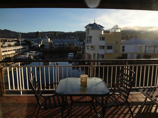 Knysna Quays Accommodation: early morning view from the room