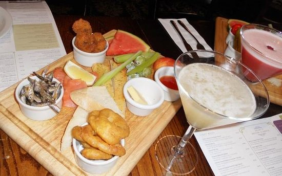 Henry's Cafe Bar: Fish Mezze