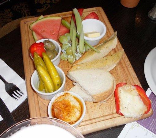 Henry's Cafe Bar: Antipasto Mezze