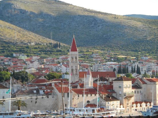 Apartments Kasalo: views to trogir from the terrace