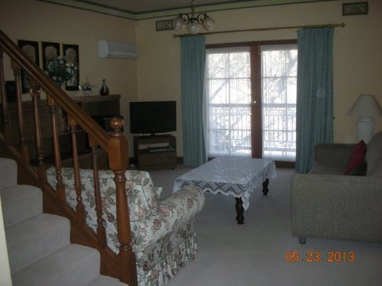 Adelaide Terrace Apartments : Living Room