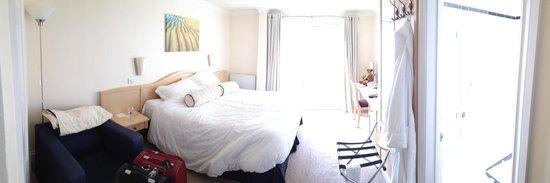 Hotel Penzance : Spacious room