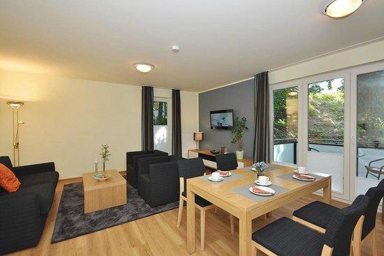 Apartmenthaus Kleiner Falke: Wohnzimmer großes Apartment