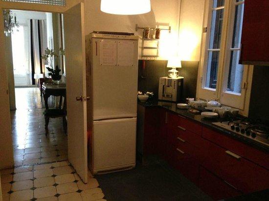 Casa Marcelo Barcelona: Kitchen