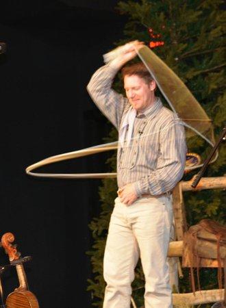 Ebenezer's Barn & Grill : Trick ropin'