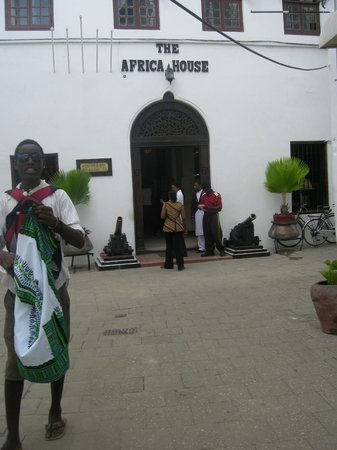 The Africa House Hotel: entrance