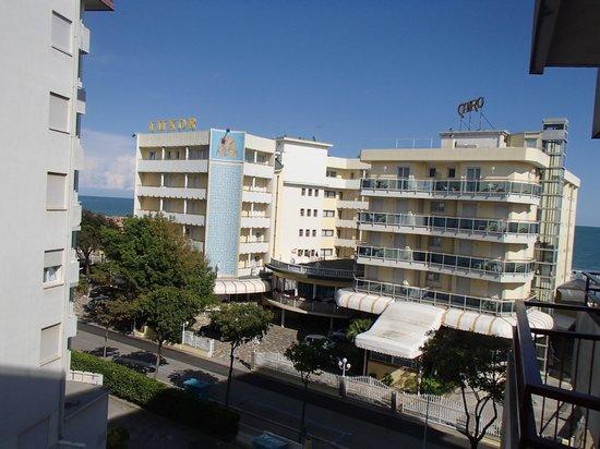 Nelson Hotel: Widok z pokoju od strony ronda