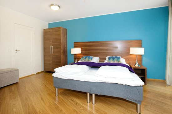 Tjuvholmen Suites: Superior apartment - bedroom with ensuite bathroom