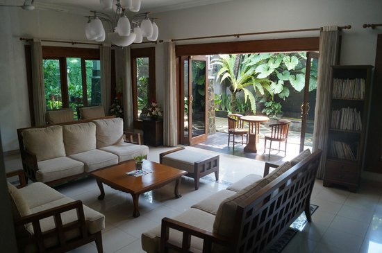 Astonishing Roemah Oma Guest House Reviews Photos Yogyakarta Region Download Free Architecture Designs Rallybritishbridgeorg