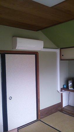 Owner's Gora Club : エアコンはついてます。電気の容量オーバーは止まります