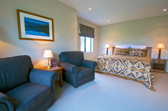 Manakau Lodge: Mountain View Deluxe Room