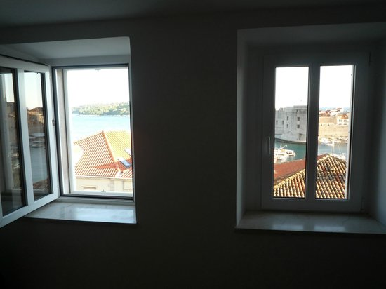Dubrovnik Bed and Breakfast: Room with  views!