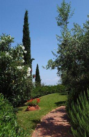 Agriturismo Il Sapito: giardini