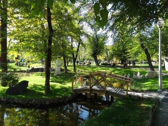 Lovers' Park: Lovers park