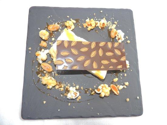 St Kyrans Country House: Banana parfait, peanut praline, roasted peanuts,