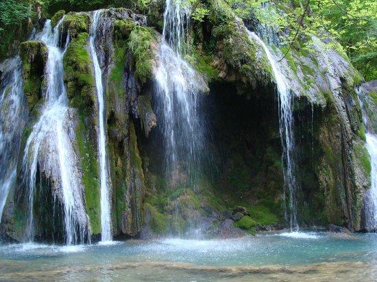 Hotel des Messageries : Nearby Cascades des Tufs water falls