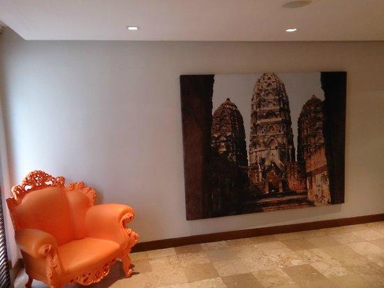 S33 Compact Sukhumvit Hotel: Lobby