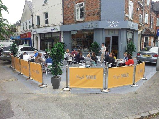 Cafe YOLK: Outdoor seating at Café YOLK